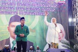 Khofifah Ajak Muslimat NU Pilih Caleg Milenial