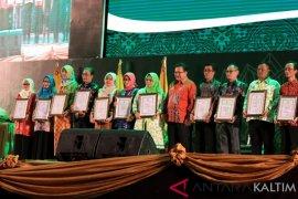 Penghargaan Bidang DPMPD di Arena Malam Kaltim Award 2019