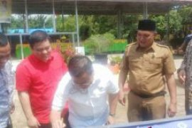 Amggota DPR RI Sofyan Tan cek bantuan pusat ke sekolah Sumut