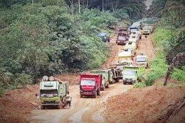 Pemkab Tangerang siaga awasi truk muatan tanah resahkan warga