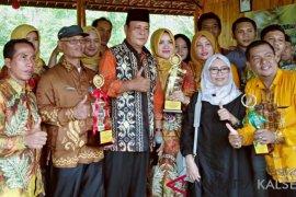 Mantuala Batu Hayam HST juara pertama Kontes Durian