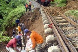 KA Sukabumi-Bogor dibatalkan sementara akibat gangguan longsor