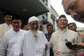 Yusril: Ustadz Abu Bakar Baasyir akan dibebaskan