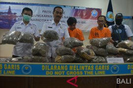 Penangkapan kurir ganja Medan