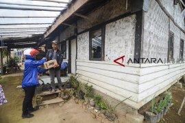Pengiriman Paket Hingga Ke Pelosok Nusantara