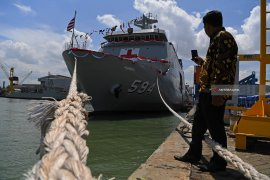 Navy Plans to Re-Order Hospital Ships to PAL Indonesia