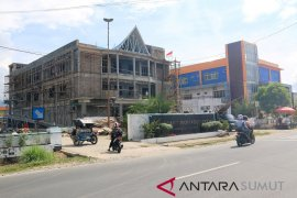 Proyek pembangunan gedung baru RSUD Pandan molor