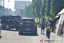 DPRD pertanyakan jalan nasional menjadi lahan parkir