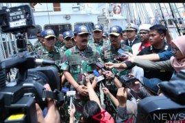 Panglima TNI-tokoh agama ngopi bareng di KRI Bima Suci