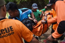 Tim SAR temukan jenazah empat santri yang tenggelam di Ponorogo