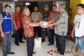 Dinsos dan Tagana Kalbar salurkan bantuan untuk korban banjir