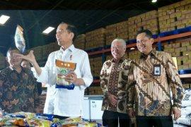 Presiden perintahkan Bulog serap jagung petani
