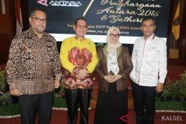 Bupati Kotabaru bersama Dirut Perum LKBN Antara