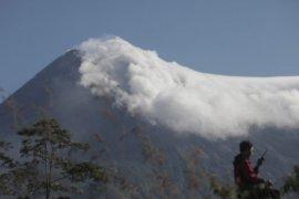 Gunung Merapi kembali luncurkan awan panas