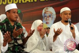 Ustadz Arifin Ilham dirawat di Malaysia