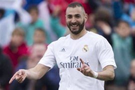 Real Madrid kalahkan Alaves, tipiskan selisih dengan Barcelona