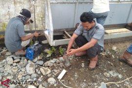 Karyawan segel pabrik kelapa sawit di Mukomuko