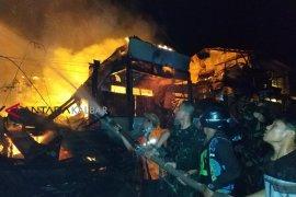 Satu bocah dilaporkan hilang dalam kebakaran di Putussibau