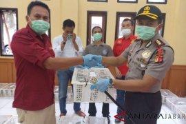 Polres Majalengka serahkan 77 Kukang Jawa ke BKSDA Jabar