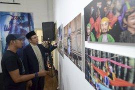 TGB Zainul Majdi kunjungi pameran foto Antara Jabar