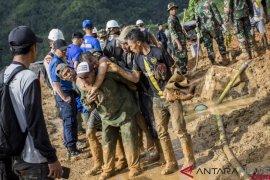 11 korban longsor Sukabumi belum ditemukan