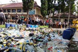 Miras oplosan masih ancam masyarakat Garut, kata Kapolres