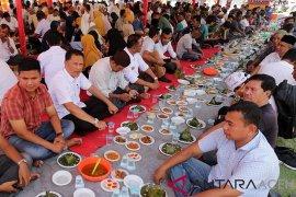 "Potensi wisata dalam kenduri ""Maulod"" di Aceh"