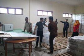 KPU Gorontalo Utara Rakit Kotak Suara Pemilu