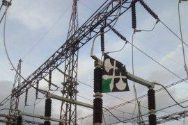 Layangan ancam pasokan listrik ke tujuh daerah