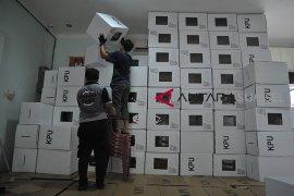 KPU Palembang rakit kotak suara Pemilu Page 2 Small