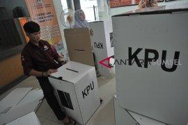 KPU Palembang rakit kotak suara Pemilu Page 4 Small