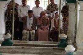 KH Ma'ruf Amin ziarah ke makam kakek Bung Hatta