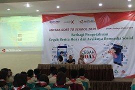 Kantor Berita Antara Sosialisasikan Cegah Berita Hoaks di SMKN I Surabaya