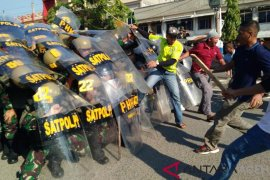 Amankan Pemilu 2019 TNI gelar simulasi rusuh massa