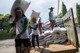 Stok pupuk bersubsidi di Jawa Barat