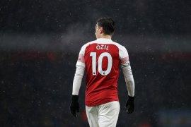 Ozil, habis manis sepah dibuang