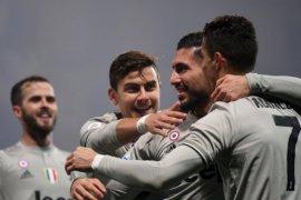 Menang telak, Juventus kian kokoh di puncak klasemen