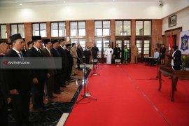 Kepala Dispendukcapil Surabaya Resmi Diberhentikan dari Jabatannya