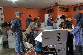 KPUD Batanghari mulai rakit kotak suara pemilu 2019