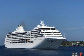 Seorang penumpang kapal pesiar dievakuasi ke RSU Sabang
