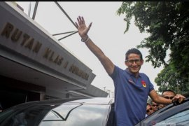 Sandiaga Uno jenguk Ahmad Dhani di Rutan Medaeng