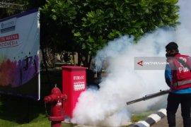 Antisipasi DBD, PMI Jember Fogging Kawasan Permukiman dan Kantor Bank Indonesia