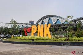 Airport Emergency Committee Supadio lakukan penarikan badan pesawat Lion Air