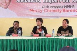Mercy Barends sosialisasi empat pilar kebangsaan di Saumlaki