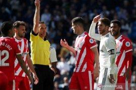 Tumbang di kandang sendiri, Sergio Ramos dapat kartu merah ke-25