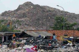 Warga Desa Burangkeng Bekasi ancam tutup TPA