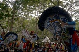 Melestarikan Budaya Khas Daerah