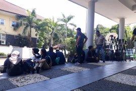 Puluhan wartawan tunggu eksekusi Buni Yani di Kejari