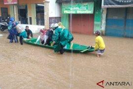 Kampung Cigosol terendam banjir hingga 160 cm