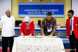 Bio Farma gandeng Fakultas Farmasi Unhas